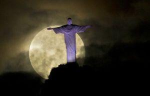 Supermoon May 6 2012 Christ the Redeemer statue in Rio de Janeiro