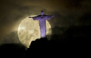 Supermoon May 6 2012 Christ the Redeemer statue in Rio de Janeiro